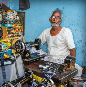 Opravář šicích strojů