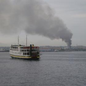 Požár v přístavu