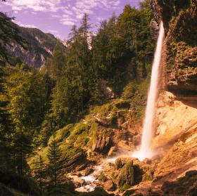 Vodopád Peričnik ve Slovinsku.