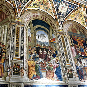 Část fresky knihovny Libreria Piccolomini v Sieně