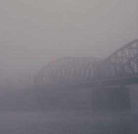 Mlha, jako z Krakatitu..