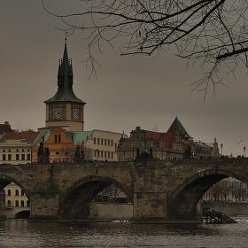 pochmúrno u Vltavy
