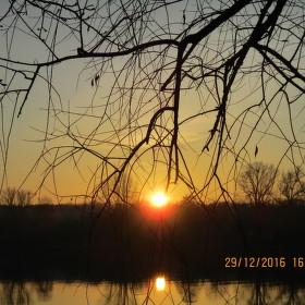 Zapadající slunce nad Labem