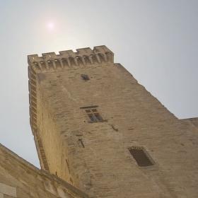 Avignonské střípky (6): Zdi světa
