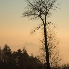 Hrad Trosky při západu slunce