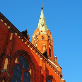 Boční pohled na kostel sv. Mikuláše v Ludgeřovicích