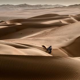 Ztracen v dunách