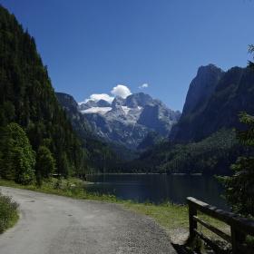 Cesta na Dachstein.