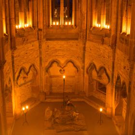 Noc hradních kaplí na Bězdězu