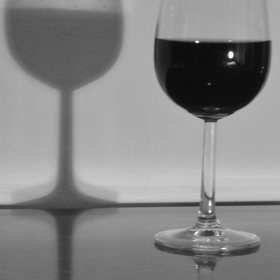 Sklenka vína