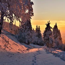 západ slunce na horách