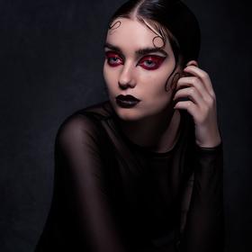 Veronika, The Sweeney Todd's sister II