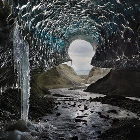 Ledovcová jeskyně na Islandu