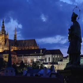 Svatý a Pražský hrad.