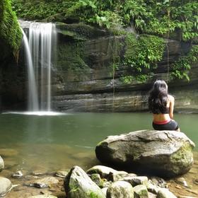 Dívka u Vodopádu naděje