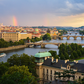 Praha pod barvou duhy