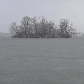 V zajetí ledu