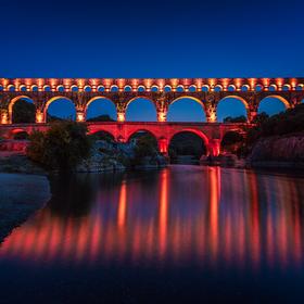 Večerní Pont du Gard