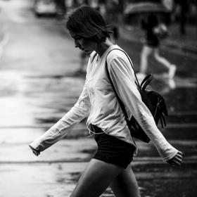 v dešti...v chůzi..