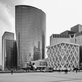 La Défense - moderní čtvrť v Paříži