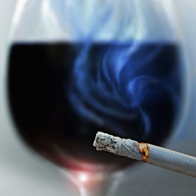 Cigareta a víno