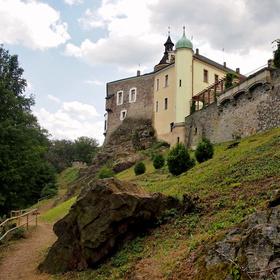 Hrad a zámek Zbiroh.