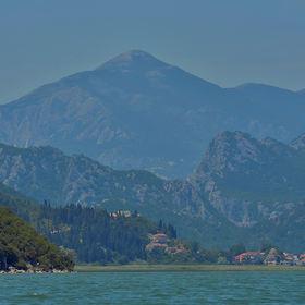 Skadarské jezero v ranním oparu