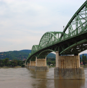 Most Márie Valérie v Štúrove