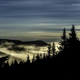 Mlha pod Pradědem