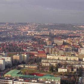 Pohled ze střechy Empiria (104 m) na Podolí