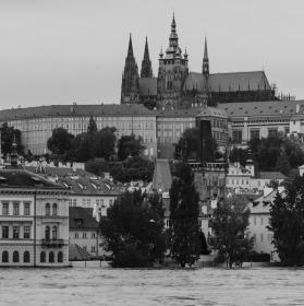 Praha - povodně 2013 B/W