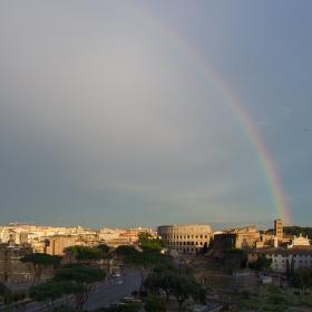 duha nad Římem