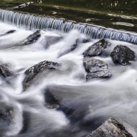 Teče voda teče