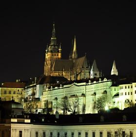 Pražský hrad  z nábřeží.