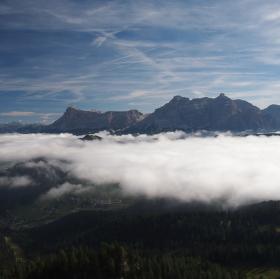Italské Dolomity nad mraky.