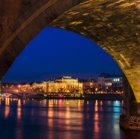 Večer pod mostem