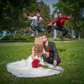 100m novomanželských překážek
