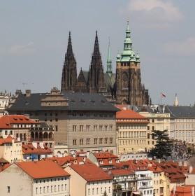 Pražský hrad ze Strahovské zahrady