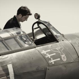 H.Hurricane Mk.IIC LF363 YB-W