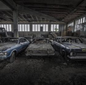 Důl jako garáž a garáž jako vrakáč