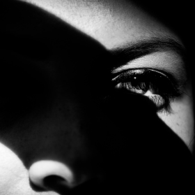 Oko ve stinu