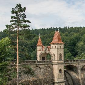 Přehrada Tešnov u Lesa Království
