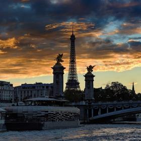 Bon soir Paris