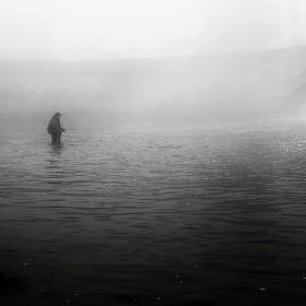 Rybářovo mlžné ráno.
