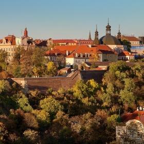 Pražský Karlov v podzimním odpoledni