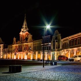 Noční náměstí