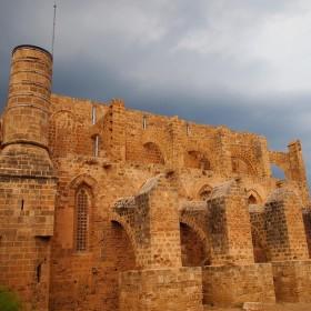 Kostel sv. Petra a Pavla, dnes mešita Sinan Pasha (Famagusta - Severní Kypr)