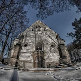 Kostel na hřbitově