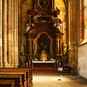 Boční oltář