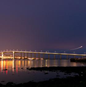 Most ve městě Tromso